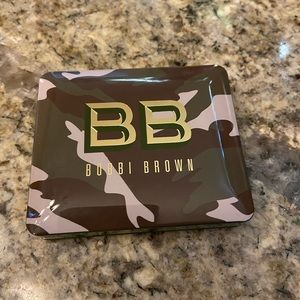 Bobbi brown camo luxe eyeshadow and cheek palette